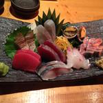 魚真 - 刺身盛合せ 8品