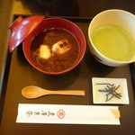 Torayakaryou - 小倉汁粉 抹茶付き  1944円税込