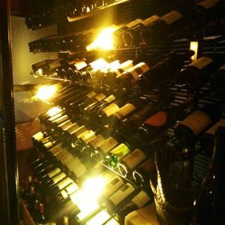 低価格で高パフォーマンスな世界各国のワインの数々。