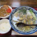 潮の音 - 黒アサリラーメン1000円&激辛カレー丼300円