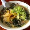 ホルモン横丁 - 料理写真:テールラーメン(冬季限定)810円