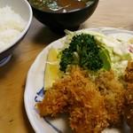大衆割烹 三州屋 - カキフライ定食 1,350円