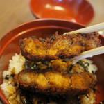 食堂きかく - ミニソースかつ丼のカツアップ