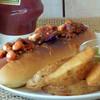 モアニダイナー - 料理写真:チリビーンズホットドッグ