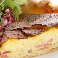 石川亭のベーコンとチーズのキッシュ