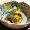 松川 - 料理写真:淡路の鯛と唐津の赤雲丹のお造り