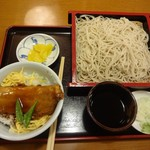 松美家 - 本日の気まぐれ(さんまのかば焼き丼ともりそば)