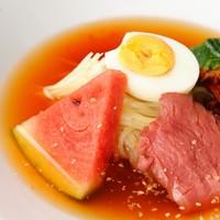 ◆食後の〆に最適!特製の手打ち冷麺も名物♪