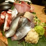 魚酎 - 料理写真:桶刺盛の一部