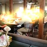 マッケンジーファミリーレストラン -