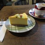うてな喫茶店 - チーズケーキ・ミルクコーヒー