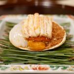 の弥七 - 料理写真:背子蟹と海胆と烏賊の老酒ソースかけ