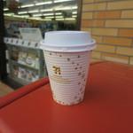 セブンイレブン - ドリンク写真:ホットコーヒー100円。
