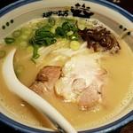 麺の坊 砦 - 全く癖のないスープ。 2016.11