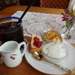 カフェ ディノ - 料理写真:アイスコーヒー モーニング付