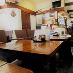 旬魚菜 しら川 - テーブル席