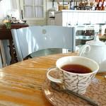 ラ・ドゥース・ヴィ - 紅茶はポットで
