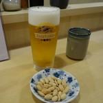 とんき - (2016/10月)ビールにピーナッツがついてきた