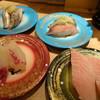 回転寿司丸忠  - 料理写真:天然いわし(240円)と天然あじ(240円)と真鯛(290円)とびんちょう鮪(380円)