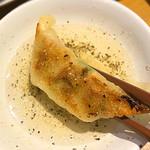むし焼包餃子 - 胡椒タレはアッサリしてて美味しいのです