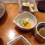 旬の味 たなか - 上から(玉子焼きとサンマ梅煮、漬物、カブと高菜の煮たやつ)