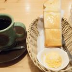 コメダ珈琲店 - 料理写真:モーニングB(アメリカンコーヒー):420円/2016年11月