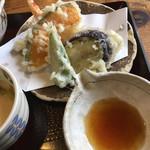ゑびす屋 - もちろん揚げたての天ぷら
