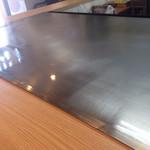 広島風お好み焼き れもん - 綺麗な鉄板、広島風お好み焼き講座スタート