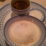 59535017 - 国産・牛肉と根菜類のポトフ仕立て 茸のブルーテとそのソテー 白トリュフ油の風味 泡雪見立てと共に