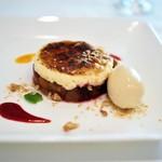 ル・マルカッサン ドール - 洋梨・林檎・ベリーのシブースト 洋梨のアイスクリームを添えて