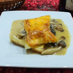 東京パリ食堂 - エスカルゴと牡蠣のパイケース