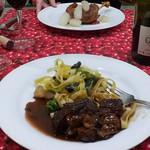 東京パリ食堂 - 牛のワイン煮込み