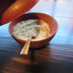 茶房 天井棧敷 - 卓上には三温糖