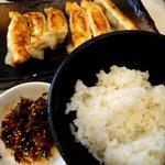 59599341 - 餃子とご飯のコンビネーション