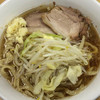ラーメン二郎 - 料理写真:ラーメン 700円 麺半分・ヤサイもニンニクもちょっとで