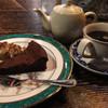 自家焙煎珈琲 凡 - 料理写真:ガトーショコラとブレンドコーヒーで2,040円也!
