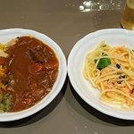 オールデイブッフェ コンパス - オールデイブッフェ コンパス @Yokohama Bay Sheraton 4th.ラウンド目はサーモンのパスタと魚介のパエリアにホテルカレーを掛けて