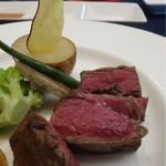 花の宴 - 特選牛フィレ肉のロティ温野菜添え