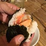 サレカマネ - 鮭とハラコのおにぎり