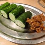 ジビエノ小屋 - ジビエ肉味噌キュウリ