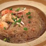 アンコール・ワット - 魅惑の春雨。蟹風味の土鍋煮込み、実に美味しいです。