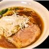 麺や豊 - 料理写真:ワンタンめん 820円 醤油好きなら満足すること請け合いのレベルの高いラーメンです。