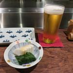 鳥たけ - 生ビールはハートランド。ここの自家製漬物が美味。