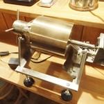 Cafe らんど - ミニミニ焙煎機