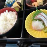 季節料理 樂風 - お刺身とご飯