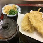 こがね製麺所 - お醤油と薬味(*゚∀゚*)