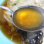 香来軒 - スープはこんな感じ