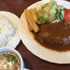 小さな部屋 - 料理写真:ランチ ザ・ハンバーグ¥970