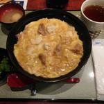 """たまひで いちの - """"粋""""親子丼 ¥1500-"""