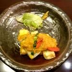 59820829 - 海老芋と京豆腐の香り揚げ 抹茶スパイシー仕立て